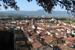lucca03a