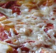 Mennyei kelt tészta: pizza