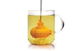 Sárga tengeralattjáró a teában
