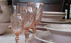 Kézzel készített színes üvegpoharak