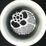 Műalkotás a mosogató mélyén