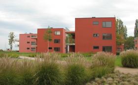 Hússzínű házak gyönyörű szimmetriája