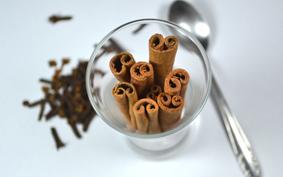 Egész évben karácsony: fahéj-szegfűszeg tea