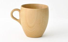 Tökéletes egyszerűség: bögre japán hársból