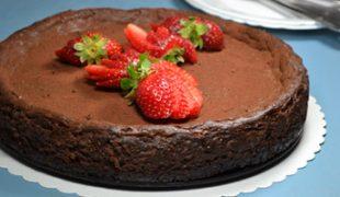 Édes május: Csokoládés cheesecake eperrel