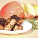 Almás-rozmaringos húspogácsa a sütőből