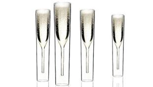Klasszikus pezsgőspohár kicsit másként – B.Ú. É. K.