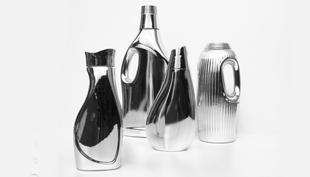 Mosószeres flakonból menő design váza