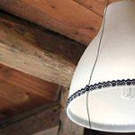 Csillár harisnyakötőben: villanyszerelés nőiesen