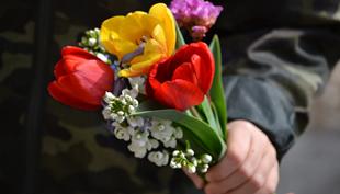 Anya lettem – Virágok csak úgy és anyák napjára