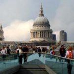 A ködös Albion: 50 emlék és 50 kép Londonból