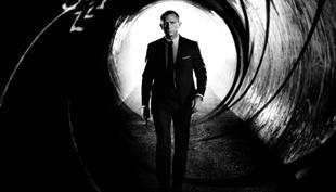 A nevem Bond. James Bond. – Időutazás plakátokkal