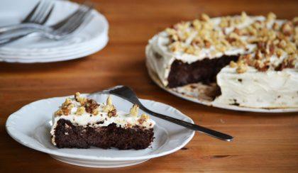 Csokis-diós-cukkinis brownie mascarponeval