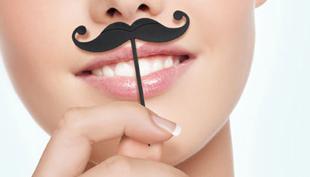 Moustache-mánia, avagy a varázslatos bajusz
