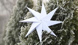 Karácsony: hajtogatott csillag nyomtatópapírból
