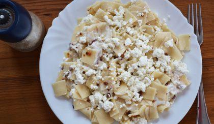 Ötcsillagos étel: túrós tészta frissen gyúrt kockatésztából