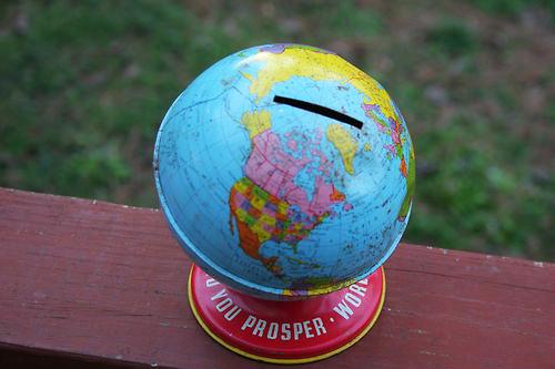 tin-globe-bank_vintage01
