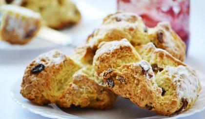 Édes-mazsolás ír szódás kenyér