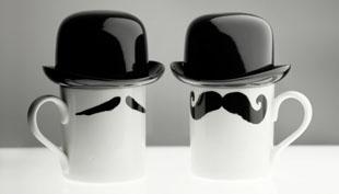 Bajuszos bögrére kalapot, kalap alá bögrét