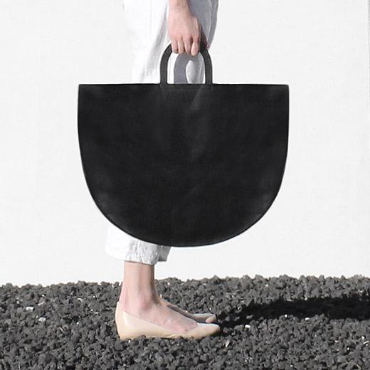 Bag_Triangular_Black04