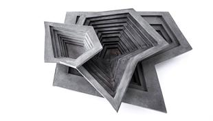 Különleges vacsora: a beton étkészlet geometriája