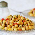 Citromos-fokhagymás csicseriborsó-saláta