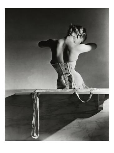 horst-p-horst-vogue-september-1939