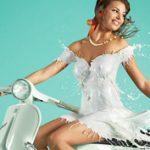 Folyékony pixelművészet: Pin-up lányok tejruhában