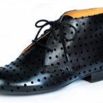 Fekete pöttyös fekete cipő Vágó Rékától