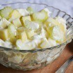 Franciasaláta helyett: majonézes alma-zeller saláta