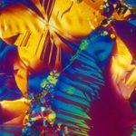Dessztillált művészet: alkohol a mikroszkóp alatt