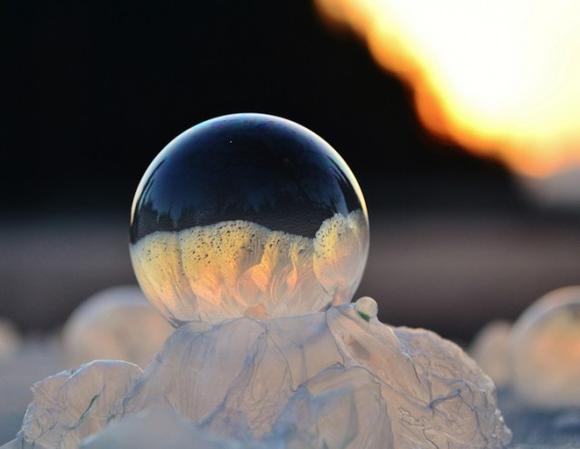 Frozen-Bubbles-Angela-Kelly02