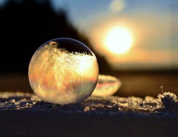 Frozen-Bubbles-Angela-Kelly05