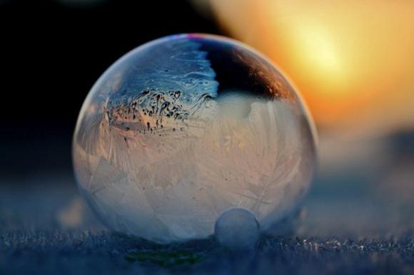 Frozen-Bubbles-Angela-Kelly09
