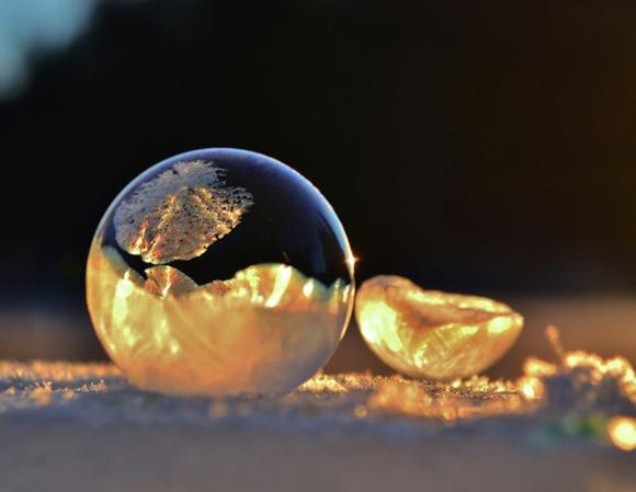 Frozen-Bubbles-Angela-Kelly10