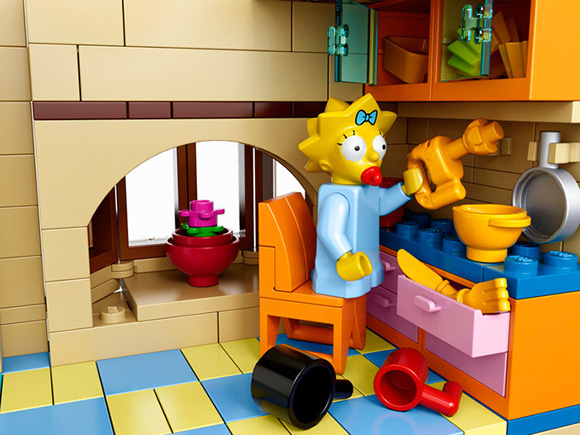The-Simpsons-LEGO-Set-Is-Official-2