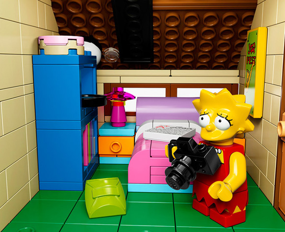 The-Simpsons-LEGO-Set-Is-Official-3