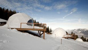 Whitepod: luxusjurták a svájci Alpokban