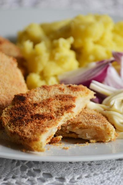 Rántott zeller: tökéletes ebéd, nem hiányzik belőle a hús (Fotó: Myreille)