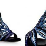 Csillogó kékség: a cipő, ami mellé nem kell ékszer