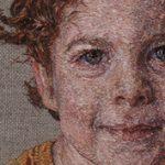 Öltésről öltésre: cérnaszállal festett portrék