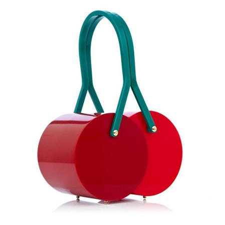Cseresznye táska/Design: Charlotte Olympia