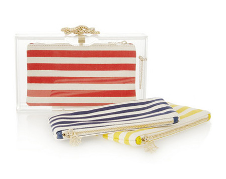 Plexi táska cserélhető szütyőkkel vitorlás hangulatban/Design: Charlotte Olympia