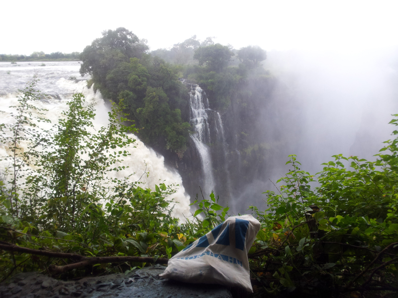Viktória vízesésnél a moksha-táska, Zimbabwe (Fotó: Edit, 2014)