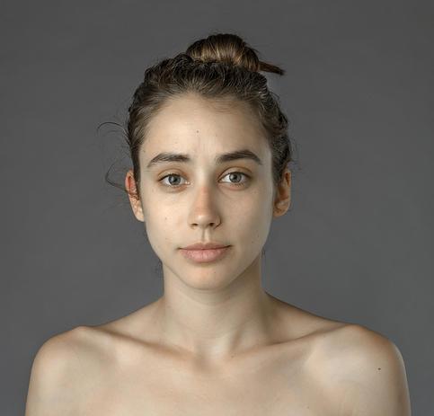 Esther Honig az eredeti fényképen