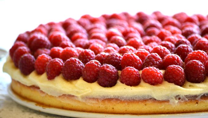 Citromos-málnás-vaníliás nyári torta (Fotó: Myreille)