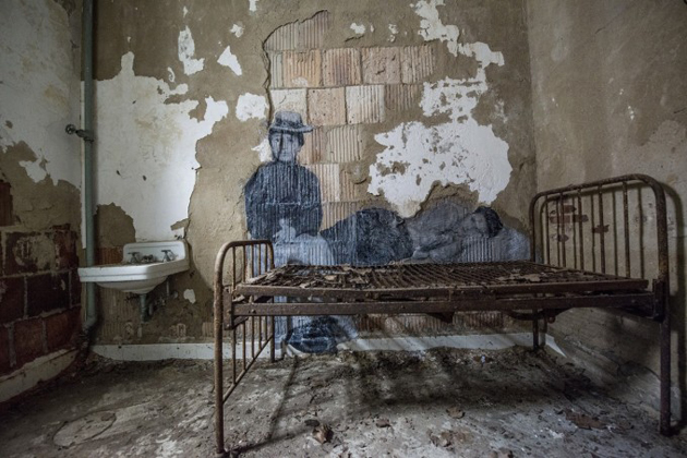 UNFRAMED – ELLIS ISLAND BY JR