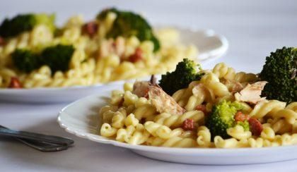 Carbonara másként: makrélás-brokkolis tészta
