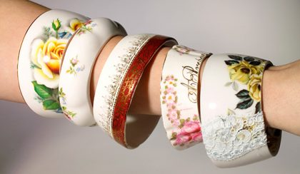 Porcelán karkötők régi teáscsészéből, bögrékből