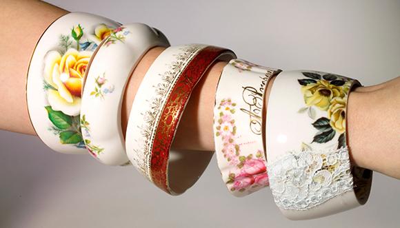Porcelán karkötők régi teáscsészéből/Design StayGoldMaryRose